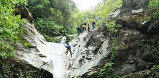 Canyoning - Εξερευνώντας Φαράγγια και Καταρράκτες
